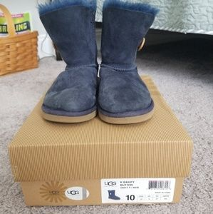 Ugg girls navy bailey button boots
